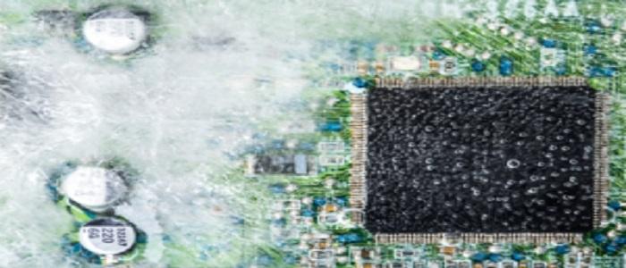 Pourquoi un équipement électronique peut-il tomber en panne après une période de non-fonctionnement ?